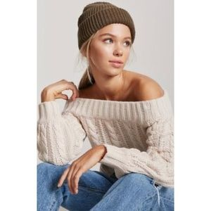 GAP OFF THE SHOULDER CABLE KNIT SWEATER